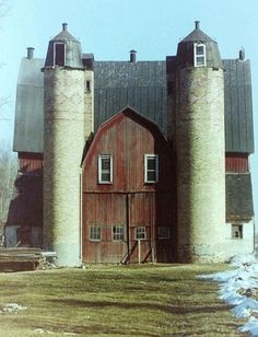 Love this barn! The double silos makes it! This would be the entry facing north. A silo on each side. Want to see the whole length of silos on exterior. (silos flanking the shingle style barn entrance) Country Barns, Country Life, Country Living, Country Roads, Country Charm, Farm Barn, Old Farm, Art Nouveau, Barns Sheds