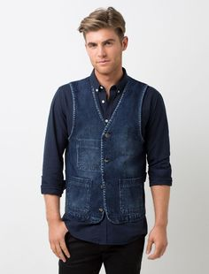 The Men's Workers Vest in Indigo Denim is detailed with two front patch pockets and the inside seams are finished with a navy with red stripe binding. Denim Vest Men, Men's Denim, Black Denim, Black Pants, Waiter Uniform, Versatile Denim, Restaurant Uniforms, Uniform Design, Double Denim