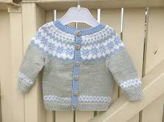 43 ideas crochet baby boy sweater pattern fair isles for 2019 Crochet Baby Cardigan, Baby Cardigan Knitting Pattern, Boy Crochet, Kids Knitting Patterns, Knitting For Kids, Knitting Baby Girl, Pull Jacquard, Baby Girl Jackets, Baby Girl Sweaters