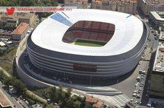 San Mames Barria (Bilbao, Spain) By Cesar Azcarate Baseball Park, Soccer Stadium, Football Soccer, Best Football Players, Football Stadiums, Stadium Architecture, Modern Architecture, San Mamés, Athletic Clubs