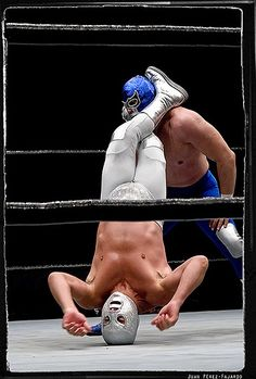 Santo against Blue Demon. Luchador Mask, Mexican Wrestler, Wrestling Stars, Lucha Underground, Mexico Style, Pose Reference Photo, Little Bit, Masked Man, Professional Wrestling