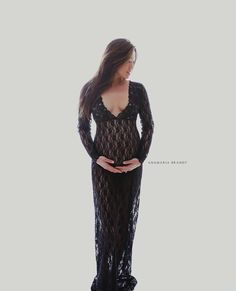Lace love cut v neck maternity gown black