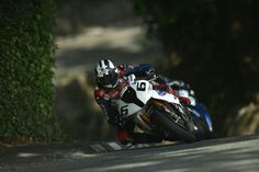 Michael Dunlop TT 2014 first in the superbike race