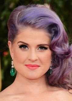 Kelly Osbourne – I want this hair, purple included.