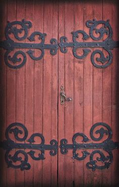 Old wooden barn door wrap Contact Rm wraps Have a question or issue? Need help wrapping your product? Randy Miller Skype name is Monday - Friday , 8 am - 6 pm EST Refrigerator wr Wooden Barn Doors, Old Barn Doors, Hotel Riad, Knobs And Knockers, Old Barns, Windows And Doors, Front Doors, Door Design, Blacksmithing