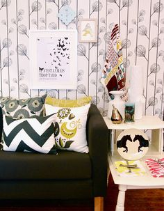 Buk & Nola- i want this poster Buk Et Nola, Decoration, Damask, House Tours, Places To Go, Accent Chairs, Sweet Home, Throw Pillows, Furniture