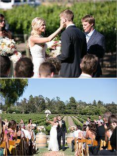 Immagine di http://static.weddingchicks.com/wp-content/uploads/2012/10/vineyardweddingceremony1.jpg.