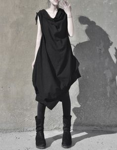 cvntfetish: Flux Cotton Lantern dress by - Etsy In love with this So black Fashion Details, Fashion Design, Dark Fashion, Mode Style, Asymmetrical Dress, Wearing Black, Capsule Wardrobe, What To Wear, Costume