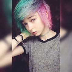 Image uploaded by Basty l'ero (✧ω✧). Find images and videos about kawaii, emo and scene on We Heart It - the app to get lost in what you love. Pastel Rainbow Hair, Emo Scene Hair, Short Scene Hair, Style Rock, Corte Y Color, Alternative Hair, Dye My Hair, Nu Goth, Grunge Hair