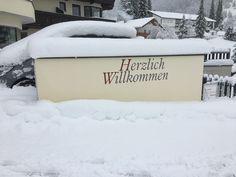#klockerhof #familiekoch #dashotelfürentdecker #zugspitzarena #tirol #winter #schnee Winter Schnee, Snow, Outdoor, Zugspitze, Outdoors, The Great Outdoors, Eyes, Let It Snow