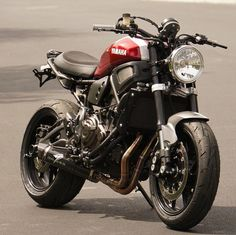 See a number of my most favorite builds - tailor made scrambler builds like this Yamaha Cafe Racer, Yamaha Motorcycles, Cafe Racer Motorcycle, Girl Motorcycle, Cafe Racing, Auto Racing, Drag Racing, Motogp Valentino Rossi, Harley D
