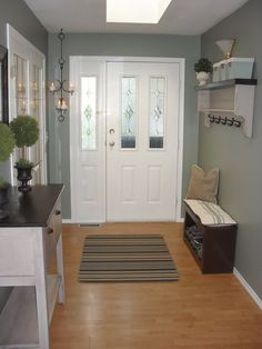 Home Frosting: Newly Painted Entryway