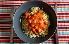 Spaghettis aux knackis et sauce tomate au piment d'espelette