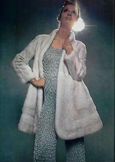 L'officiel de la mode 1969     Photo:Roland Bianchini