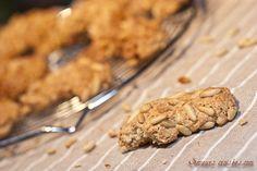 Croissants aux pignons de pin Biscuits, Croissants, Saveur, Cookies, Desserts, Food, Diet And Nutrition, Childhood, Greedy People