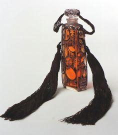 """Volnay """"Ambre de Siam"""" Perfume-bottles: René Lalique, 1919"""