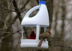 Recycling plastic bottles for Vog . - Recycling plastic bottles for bird feeders creative ideas for recycling crafts - Plastic Bottle Crafts, Plastic Recycling, Recycle Plastic Bottles, Plastic Plastic, Recycling Ideas, Recycled Crafts Kids, Crafts For Kids, Diy Crafts, Recycled Decor