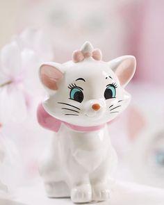 Fancy Facts About Me ♡ ♡Breakfast at Chloe's♡ Disney Cats, Disney Plush, Disney Love, Disney Magic, Disney Store Uk, Marie Cat, Gata Marie, Disney Rooms, Christmas Feeling