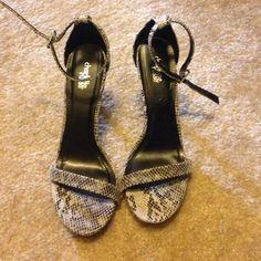 Single Sole Heels Snakeskin print. Size 8. Charlotte Russe Shoes Heels