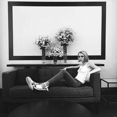 @lilyrose_depp backstage #ChanelHauteCouture #ChanelCerclePrivé #pfw