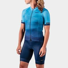 More Cali LOVE today. This kit is the newest from @elielcycling in SoCal. It's the Moro Collection kit. The colors and gradients are emblematic of views from the coastal bluffs. . . . . . . . . . . #womenskit #elielcycling #morrocollection #madeintheusa #womenscyclingapparel #womenscyclingkit #cyclingkit #lcyclingapparel #kitfit #visualsoflife #kitspiration #cyclestyle #fitspo #cyclingjersey #kitspo #cyclingphotos #cyclingshots #cycling #cyclist #bikelife #bikestagram #kitdoping #bici…