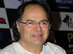 Actor Farooq Sheikh dies of heart attack in Dubai | Shared by: My Taxi India Pvt. ltd.