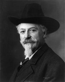William Frederick Cody dit Buffalo Bill en 1911.  Wikipedia