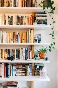 Home Library Design Home Library Design, House Design, Library Ideas, Bookshelf Design, Library Bookshelves, Bookshelf Tumblr, Bookcases, Design Desk, Bookshelf Styling