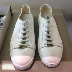 Santoni in versione sneakers #santoni #sneakers #mmfwss14 #milano #elle_italia