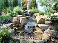 Amazing Ein Bachlauf im Garten bietet Abk hlung in den warmen Sommertagen und wird schnell zum Blickfang Wir zeigen Ihnen Ideen wie Sie den Au enbereich