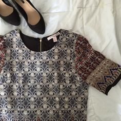 Printed Shift Dress Pre-loved but only worn twice. Size medium shift dress. So cute and comfortable. Dress it up for work or casual with a pair of flats. Host pick! Forever 21 Dresses