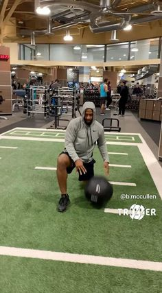 Gym Workout Videos, Gym Workouts, At Home Workouts, Abs And Obliques Workout, Hip Workout, Quad Exercises, Balance Exercises, Conditioning Workouts, Medicine Ball