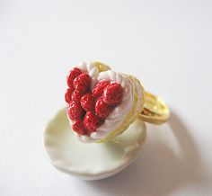 Heart Shape Strawberry ceam cake Ring