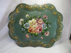 VINTAGE HAND PAINTED LARGE TOLEWARE SERVING TRAY GREEN FLORAL METAL GOLD ACCENTS