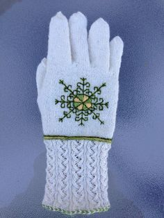 Ravelry: llunallama's Embroidered Gloves