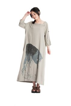 *Highlight:  1)chinese ink painting  2)Maxi long dress  3)loose and concise  4)half sleeves    *Material: cotton and linen    Size: free