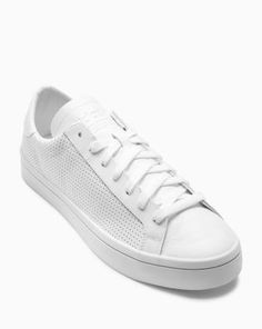1cafa06ea8c 8 Best white trainers men images in 2018 | White trainers men, Shoes ...
