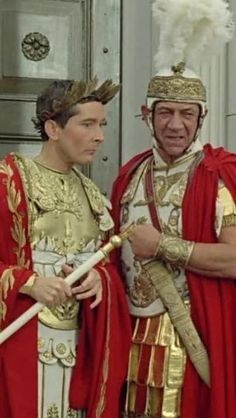 Kenneth Williams (Julius Caesar) and Sid James (Mark Anthony) in Carry on Cleo Carry On Cleo, Sidney James, British Comedy, British Actors, Kenneth Williams, Classic Tv, Classic Movies, Funny People, Funny Men
