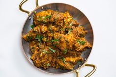 A Michelin-starred chicken bhuna recipe (bhuna murgh) from Tamarind head chef, this is Indian comfort food at its best. Mulligatawny, Indian Food Recipes, Ethnic Recipes, Turkish Recipes, Great British Chefs, Cooking Recipes, Healthy Recipes, Meat Recipes, Healthy Food