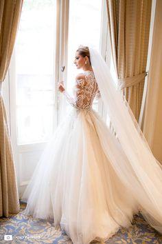 Véu catedral Bohemian Wedding Dresses, Mermaid Wedding, 1, Wedding Ideas, Instagram, Fashion, Wedding Boutonniere, Pictures Of Wedding Dresses, Bridal Veils