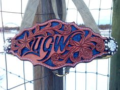 Beautiful custom bronc halter made by Legacy Leather Co. Www.legacyleatherco.com Leather Carving, Leather Tooling, Tooled Leather, Leather Projects, Leather Crafts, Horse Tack, Horse Head, Bronc Halter, Spur Straps