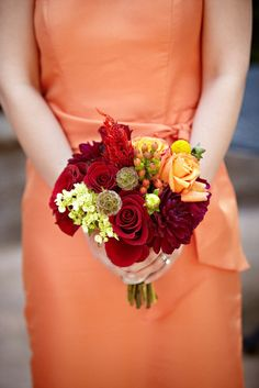 love the colors of this bouquet! It would be perfect for my late Sept/early Oct vision!