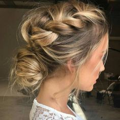 """97 Likes, 3 Comments - Blow Dry Bar (@blowdrybar) on Instagram: """"Kinda messy plait to wrap up your Sunday! #hairselfie #bdbselfiestation #bdb #bebeautiful…"""""""