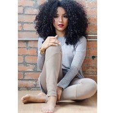 mrslionesss:  __lipstickncurls__                                                                                                 I want my curls to look this full.