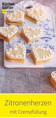 Corazones de limón con relleno de crema - Weihnachtsbäckerei - Plätzchenrezepte & Co. Biscuits, German Baking, Cupcake Queen, Cupcakes, Recipe Cards, Cookie Bars, Relleno, Christmas Cookies, Sweet Recipes