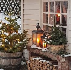 Check out these amazing Front Porch Christmas Decorating Ideas with outdoor lanterns, Christmas lights, holiday wreaths and garlands. So take your outdoor Christmas decorations to the next level with these amazing ideas! Winter Porch Decorations, Diy Christmas Decorations For Home, Diy Christmas Lights, Decorating With Christmas Lights, Porch Decorating, Decorating Ideas, Holiday Wreaths, Porch Ideas For Winter, Christmas Porch Ideas