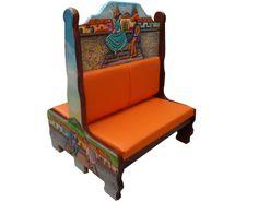 Booth Jarabe tapatío plaza.  Descripción: Diseño: Jarabe tapatío en la Plaza Color: Diseño Asiento: Vinil naranja  2 Personas