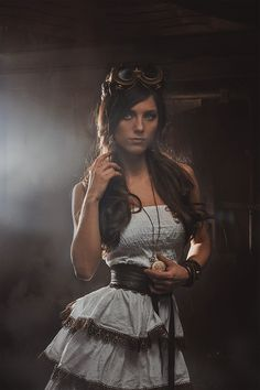 Steampunk its more than an aesthetic tendency, it's the longing for the past that never was. In Steampunk Girls we display pictures, and illustrations of Steampunk, Dieselpunk and other anachronistic 'punks, some cosplay too! Steampunk Cosplay, Viktorianischer Steampunk, Steampunk Design, Steampunk Clothing, Steampunk Fashion, Victorian Fashion, Steampunk Wedding, Victorian Gothic, Gothic Lolita
