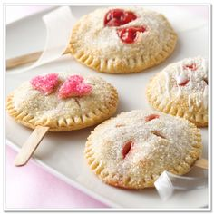 Cute treat for your Halloween party (or anytime)  Pie Pops  The kids will love this one. Get the recipe