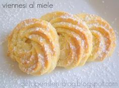 biscuits with honey Italian Cookie Recipes, Italian Cookies, Italian Desserts, Mini Desserts, Cookie Desserts, Delicious Desserts, Biscotti Biscuits, Biscotti Cookies, Italian Pastries